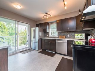 """Photo 6: 77 20760 DUNCAN Way in Langley: Langley City Townhouse for sale in """"WYNDHAM LANE"""" : MLS®# R2395742"""