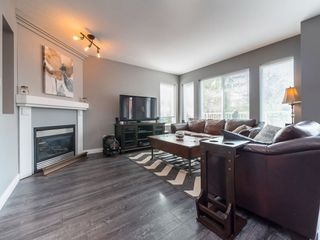 """Photo 4: 77 20760 DUNCAN Way in Langley: Langley City Townhouse for sale in """"WYNDHAM LANE"""" : MLS®# R2395742"""