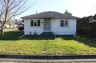 Photo 1: 45870 HENLEY Avenue in Chilliwack: Chilliwack N Yale-Well House for sale : MLS®# R2443549