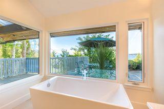 Photo 13: 5236 YACHT Road in Sechelt: Sechelt District House for sale (Sunshine Coast)  : MLS®# R2475849