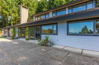 Photo 3: 5236 YACHT Road in Sechelt: Sechelt District House for sale (Sunshine Coast)  : MLS®# R2475849