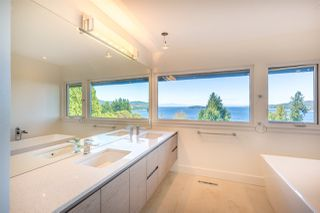 Photo 15: 5236 YACHT Road in Sechelt: Sechelt District House for sale (Sunshine Coast)  : MLS®# R2475849