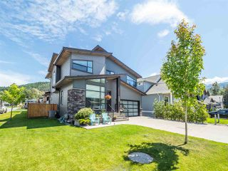 "Photo 1: 39232 FALCON Crescent in Squamish: Brennan Center House for sale in ""Ravenswood"" : MLS®# R2477496"