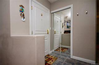 Photo 2: 202 2310 Trent St in Victoria: Vi Jubilee Condo Apartment for sale : MLS®# 844141