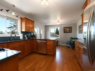 Photo 9: 3389 Mary Anne Cres in : Co Triangle House for sale (Colwood)  : MLS®# 855310