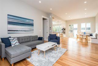 Photo 3: 7627 88 Avenue in Edmonton: Zone 18 House for sale : MLS®# E4215579