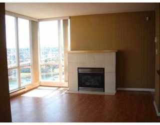 "Photo 3: 2201 1077 MARINASIDE CR in Vancouver: False Creek North Condo for sale in ""MARINASIDE RESORT"" (Vancouver West)  : MLS®# V549852"