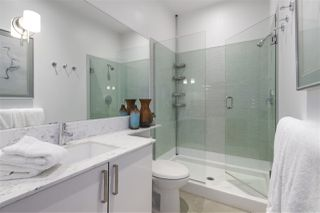"""Photo 14: 106 546 BEATTY Street in Vancouver: Downtown VW Condo for sale in """"Crane Builiding"""" (Vancouver West)  : MLS®# R2413584"""