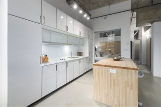 """Photo 8: 106 546 BEATTY Street in Vancouver: Downtown VW Condo for sale in """"Crane Builiding"""" (Vancouver West)  : MLS®# R2413584"""