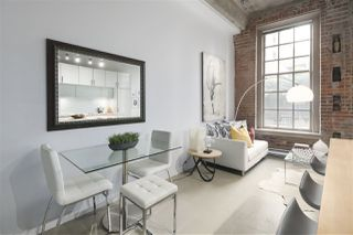 """Photo 2: 106 546 BEATTY Street in Vancouver: Downtown VW Condo for sale in """"Crane Builiding"""" (Vancouver West)  : MLS®# R2413584"""