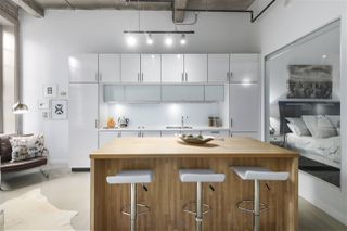 """Photo 7: 106 546 BEATTY Street in Vancouver: Downtown VW Condo for sale in """"Crane Builiding"""" (Vancouver West)  : MLS®# R2413584"""