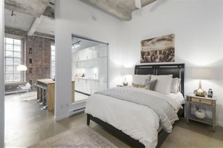 """Photo 13: 106 546 BEATTY Street in Vancouver: Downtown VW Condo for sale in """"Crane Builiding"""" (Vancouver West)  : MLS®# R2413584"""