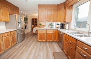 Photo 3: 4712 106 Avenue in Edmonton: Zone 19 House for sale : MLS®# E4178422
