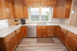 Photo 2: 4712 106 Avenue in Edmonton: Zone 19 House for sale : MLS®# E4178422