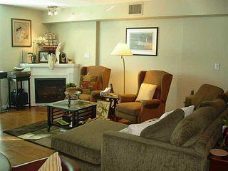 Photo 3: 302 188 ESPLANADE Street E in North Vancouver: Home for sale : MLS®# V1105149