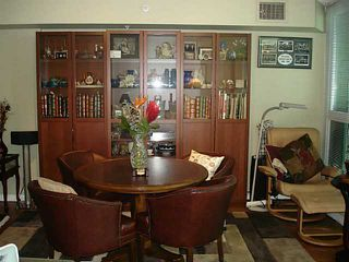 Photo 7: 302 188 ESPLANADE Street E in North Vancouver: Home for sale : MLS®# V1105149