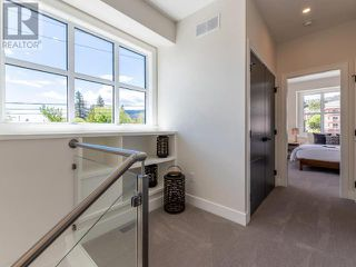 Photo 10: 383 TOWNLEY STREET in Penticton: House for sale : MLS®# 183468