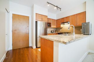 "Photo 11: 301 1111 E 27TH Street in North Vancouver: Lynn Valley Condo for sale in ""BRANCHES"" : MLS®# R2507076"