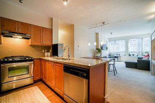 "Photo 6: 301 1111 E 27TH Street in North Vancouver: Lynn Valley Condo for sale in ""BRANCHES"" : MLS®# R2507076"