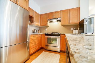 "Photo 10: 301 1111 E 27TH Street in North Vancouver: Lynn Valley Condo for sale in ""BRANCHES"" : MLS®# R2507076"