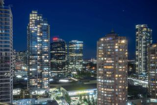 """Photo 3: 2907 6088 WILLINGDON Avenue in Burnaby: Metrotown Condo for sale in """"THE CRYSTAL"""" (Burnaby South)  : MLS®# R2507231"""