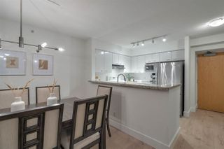 """Photo 11: 2907 6088 WILLINGDON Avenue in Burnaby: Metrotown Condo for sale in """"THE CRYSTAL"""" (Burnaby South)  : MLS®# R2507231"""