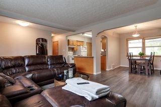 Photo 4: 1727 20 Avenue NW in Calgary: Capitol Hill Detached for sale : MLS®# A1043151