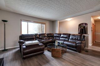 Photo 2: 1727 20 Avenue NW in Calgary: Capitol Hill Detached for sale : MLS®# A1043151