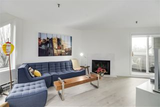 "Photo 4: F7 1100 W 6TH Avenue in Vancouver: Fairview VW Townhouse for sale in ""Fairview Place"" (Vancouver West)  : MLS®# R2522475"