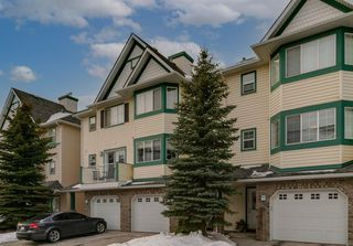 Main Photo: 64 COUGAR RIDGE Mews SW in Calgary: Cougar Ridge Row/Townhouse for sale : MLS®# A1058451