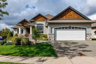 Photo 1: 2849 BUFFER Crescent in Abbotsford: Aberdeen House for sale : MLS®# R2406045