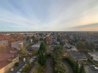 "Photo 12: 1507 8180 GRANVILLE Avenue in Richmond: Brighouse South Condo for sale in ""THE DUCHESS"" : MLS®# R2418372"