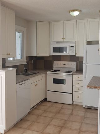 Photo 4: 306 9329 104 Avenue in Edmonton: Zone 13 Condo for sale : MLS®# E4187504