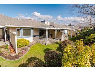 """Photo 15: 29 8889 212 Street in Langley: Walnut Grove Townhouse for sale in """"Garden Terrace"""" : MLS®# R2443236"""