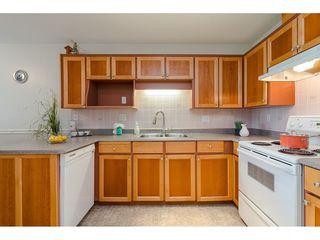 """Photo 8: 29 8889 212 Street in Langley: Walnut Grove Townhouse for sale in """"Garden Terrace"""" : MLS®# R2443236"""