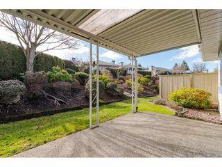 """Photo 19: 29 8889 212 Street in Langley: Walnut Grove Townhouse for sale in """"Garden Terrace"""" : MLS®# R2443236"""