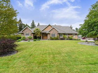 Photo 1: 4648 Montrose Dr in COURTENAY: CV Courtenay South House for sale (Comox Valley)  : MLS®# 840199