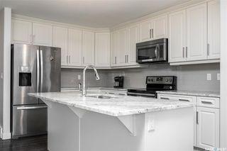 Photo 4: 262 LEWIN Crescent in Saskatoon: Stonebridge Residential for sale : MLS®# SK809797
