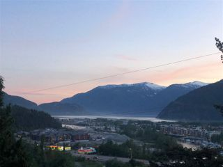 """Photo 2: 38295 VIEW Place in Squamish: Hospital Hill House for sale in """"Hospital Hill"""" : MLS®# R2464464"""