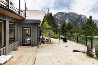 """Photo 3: 38295 VIEW Place in Squamish: Hospital Hill House for sale in """"Hospital Hill"""" : MLS®# R2464464"""
