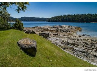 Photo 8: 684 Whaletown Rd in Cortes Island: Isl Cortes Island House for sale (Islands)  : MLS®# 834252