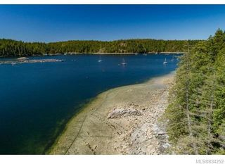 Photo 2: 684 Whaletown Rd in Cortes Island: Isl Cortes Island House for sale (Islands)  : MLS®# 834252