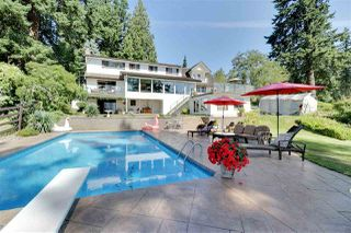 "Photo 3: 13894 56 Avenue in Surrey: Panorama Ridge House for sale in ""Panorama Ridge"" : MLS®# R2508338"
