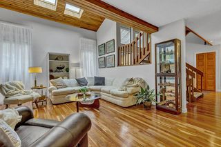 Photo 1: 31 ESCOLA Bay in Port Moody: Barber Street House for sale : MLS®# R2519280