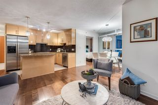 """Photo 6: 1703 1189 MELVILLE Street in Vancouver: Coal Harbour Condo for sale in """"The Melville"""" (Vancouver West)  : MLS®# R2403509"""