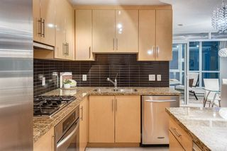 """Photo 7: 1703 1189 MELVILLE Street in Vancouver: Coal Harbour Condo for sale in """"The Melville"""" (Vancouver West)  : MLS®# R2403509"""