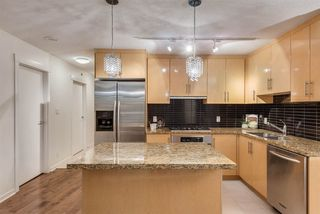 """Photo 8: 1703 1189 MELVILLE Street in Vancouver: Coal Harbour Condo for sale in """"The Melville"""" (Vancouver West)  : MLS®# R2403509"""