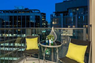"""Photo 17: 1703 1189 MELVILLE Street in Vancouver: Coal Harbour Condo for sale in """"The Melville"""" (Vancouver West)  : MLS®# R2403509"""