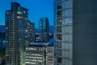 """Photo 18: 1703 1189 MELVILLE Street in Vancouver: Coal Harbour Condo for sale in """"The Melville"""" (Vancouver West)  : MLS®# R2403509"""