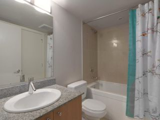 """Photo 15: 409 1212 HOWE Street in Vancouver: Downtown VW Condo for sale in """"1212 HOWE"""" (Vancouver West)  : MLS®# R2404018"""